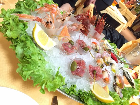 Ristorante All'Ancora: Raw fish combo appetizer