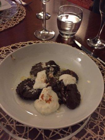 Chef Vary : cocoa ravioli with ricotta
