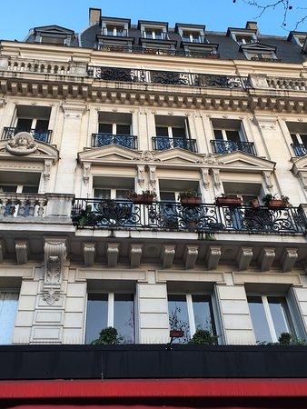 A Room in Paris : photo1.jpg