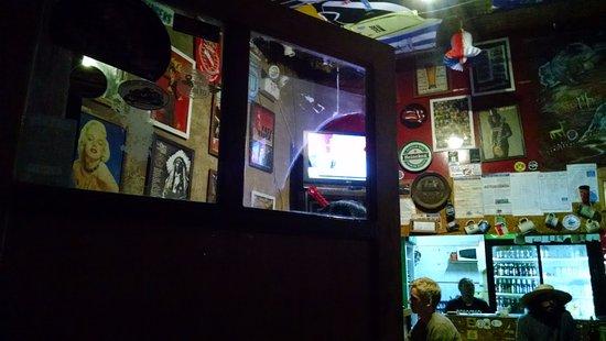 Sala de Cerveza Chelacabur: Muito legal e tem ótimas cervejas!