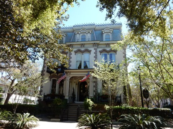 Savannah Walks: One of the picturesque homes in Savannah
