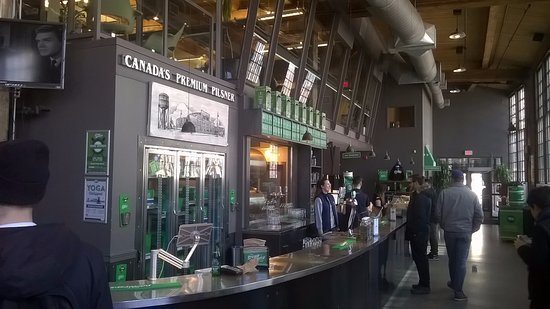 Steam Whistle Brewery : The bar