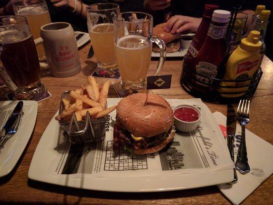 Crossfield's Australian Pub: IMG_20170405_202902_large.jpg