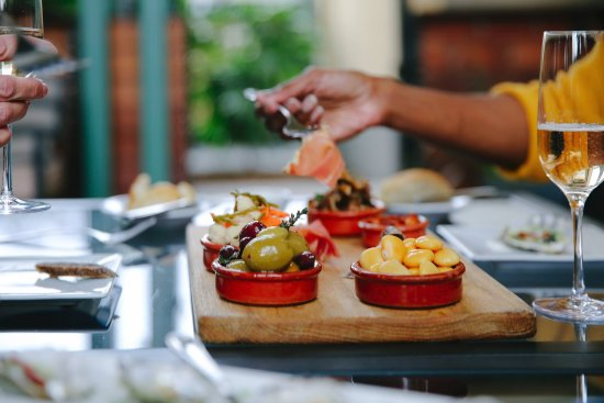 Cafe Lucia: Tasca tasting plate - the perfect start to your meal