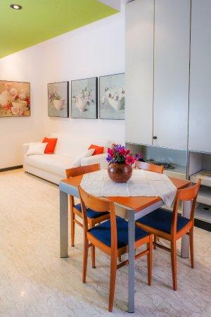 particolare soggiorno e sala da pranzo - Picture of B&B Chiara ...