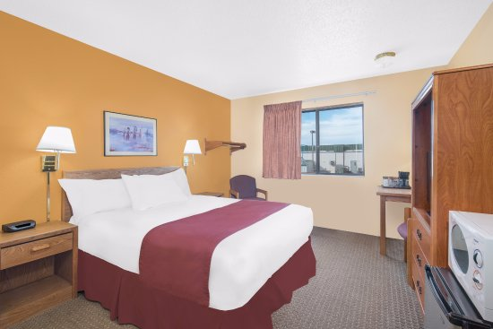 Days Inn Wall: King room