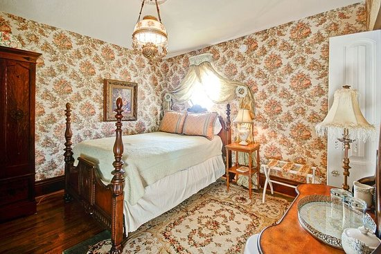 Wyman House Bed And Breakfast