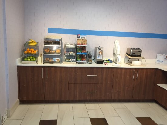 Holiday Inn Express Hotel & Suites, Peoria: photo0.jpg