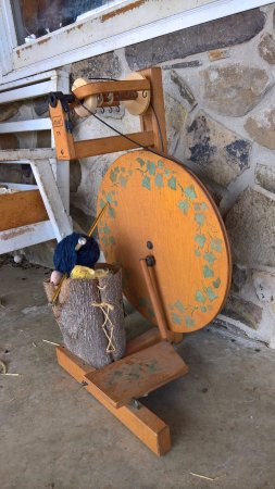 Hedgesville, WV: Sera's spinning wheel.