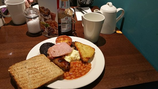 Premier Inn London Wandsworth Hotel: Full English Breakfast
