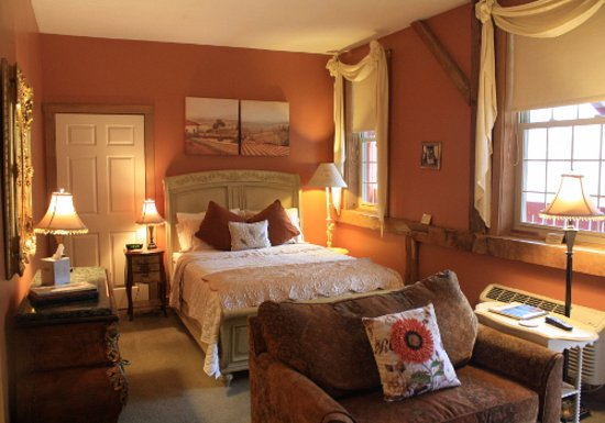 The Barn Inn Bed and Breakfast: French Country
