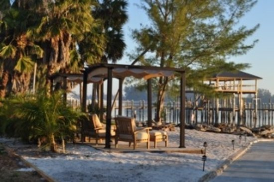 Pelican's Landing RV Resort