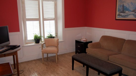 Battersea, Canada: A common room on the 2nd floor