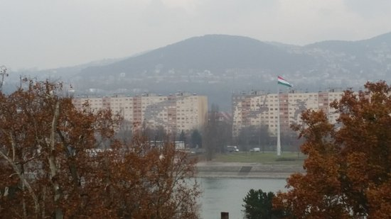Nice views overlooking the river - Picture of Danubius Health Spa