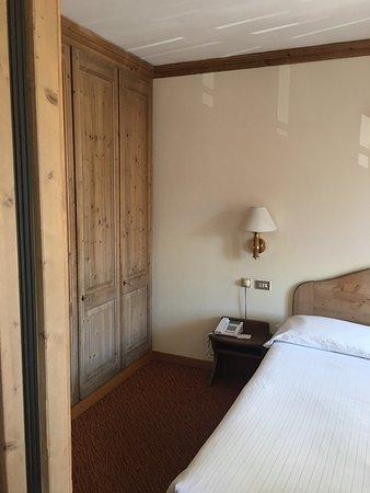 Hotel Alaska Cortina Photo