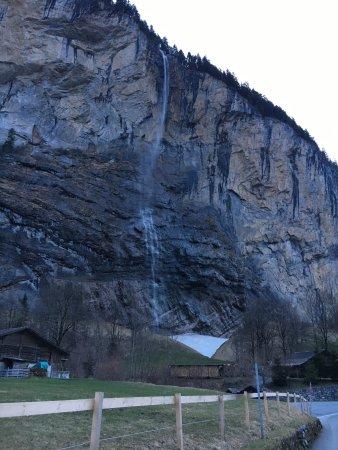 Lauterbrunnen Valley Waterfalls: photo6.jpg