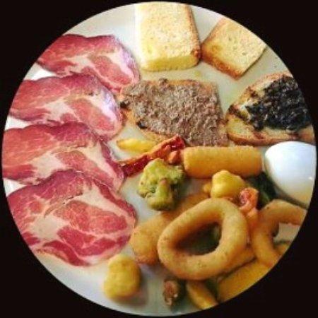 Sant'Arcangelo, Italy: La Perla Nera Ristorante Pizzeria