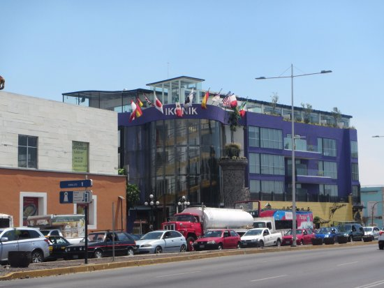 Puebla, Messico: Hotel from Acroos the Street