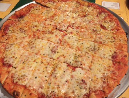 Canton, IL: Pepperoni Pizza