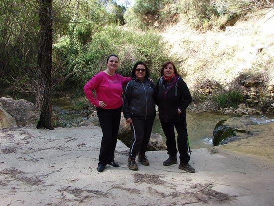 Burunchel, Spagna: Con María del Mar , de rojo que nos acompañó al inicio delrecorrido