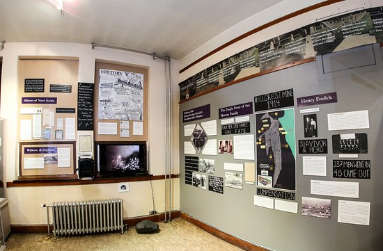 Coleman, Kanada: Coal Mining exhibit with displays on Hillcrest Mine Disaster of 1914