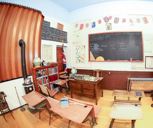 Coleman, Kanada: Schoolroom Display