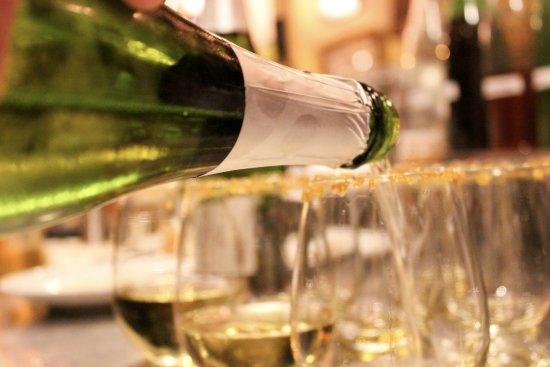 TAPAteria: Spanish Cava, sparkling white wine