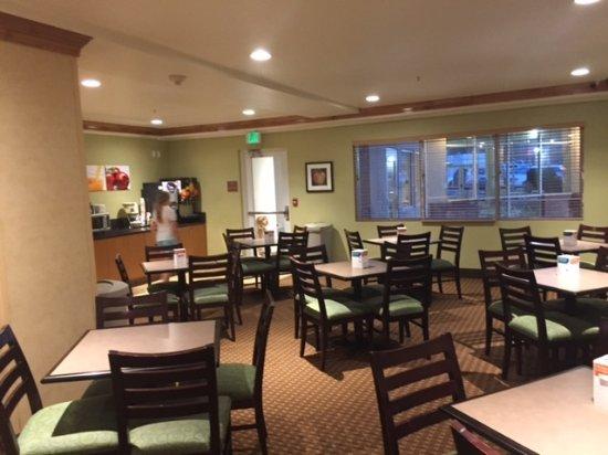 Quality Inn Amp Suites Denver International Airport 86