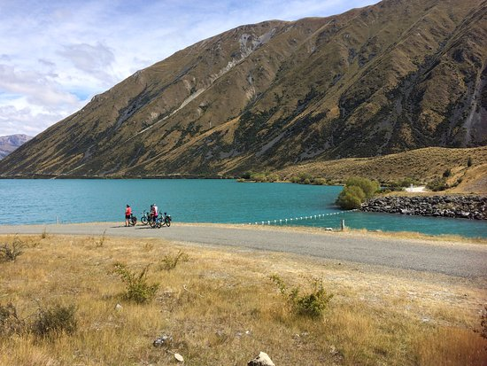 On the trail from Twizel to Lake Ohau Lodge- spectacular scenery.