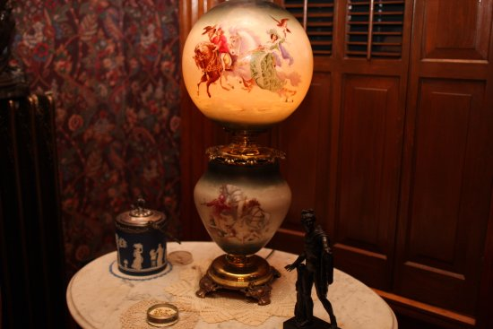 Delavan, WI: Vintage oil lamp retrofitted to allow for electrical use
