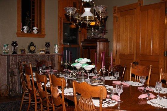 Delavan, WI: Dining room/breakfast parlor