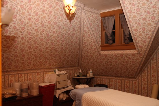 Delavan, WI: Massage room/gift shop
