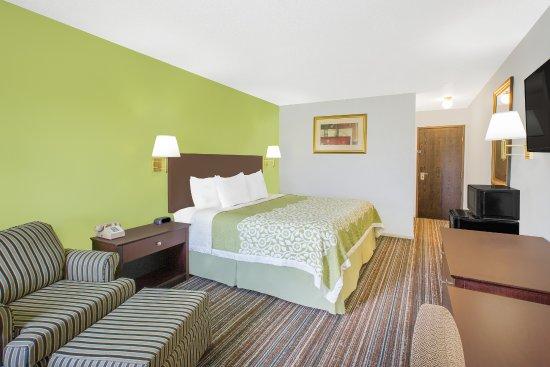 Days Inn York : Single King bed
