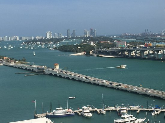Doubletree by Hilton Grand Hotel Biscayne Bay Picture
