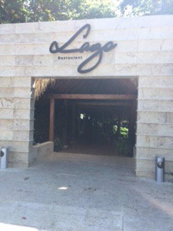 Casa de Campo Resort & Villas: Lago...Incredible breakfast buffet before a round of golf @ Teeth of the Dog