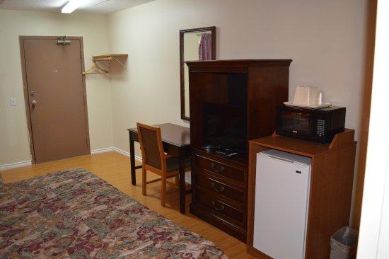 Hotels On Huron Church Road Windsor Ontario