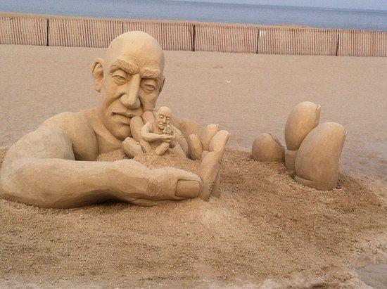Hampton Falls, New Hampshire: Hampton Beach Sand Sculptures
