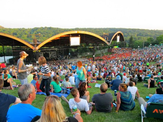 Elkhorn, WI: Dave Matthews Band at Alpine Valley, 2013