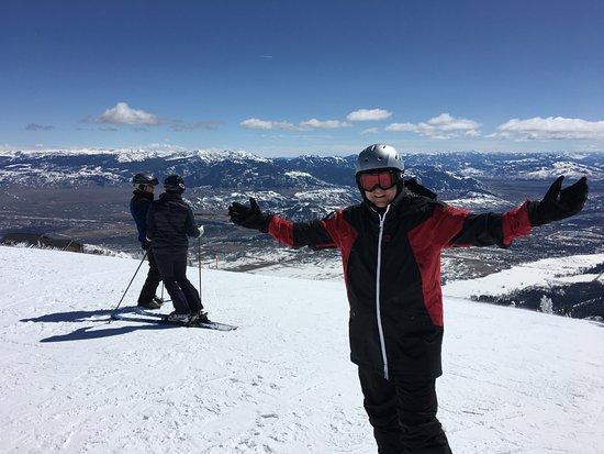 Elk Country Inn: Skiing in Jackson Hole, WY