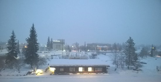 SpringHill Suites Fairbanks: View from 3rd floor on a snowy March morning, looking north