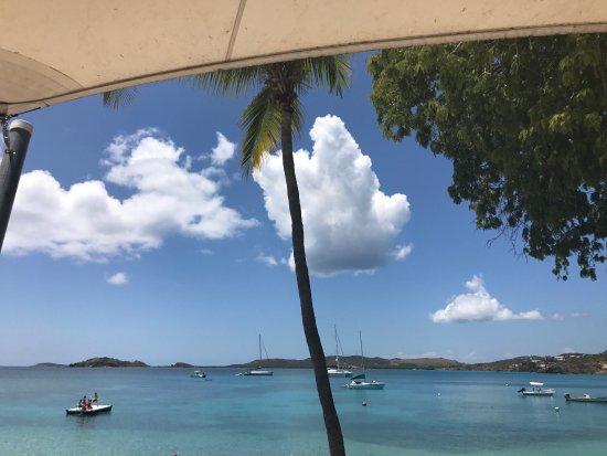 Benner, St. Thomas: Secret Harbour Beach Resort