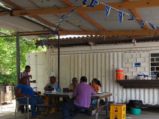 AWA DI PLAYA: Outdoor dining