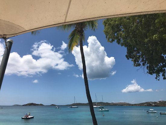 Benner, St. Thomas: Secret Harbour Beach Resort