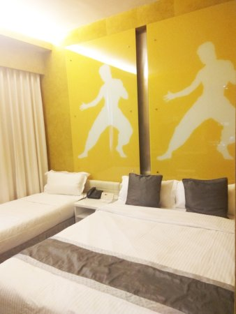 Hotel Re!: Executive Family Room, accommodates 3 pax
