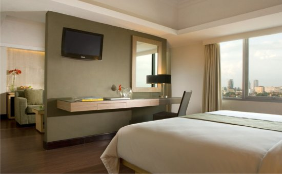 Menginap Di Hotel Santika Dalam Rangka Training Magang Bakti Bca Angkatan 13 Ulasan Hotel Santika Pandegiling Surabaya Surabaya Indonesia Tripadvisor