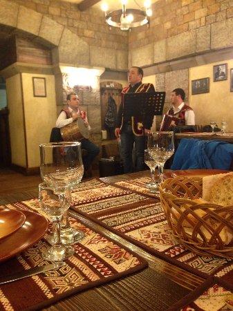 Бесплатный армянский сайт знакомств москва 7