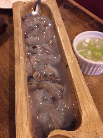 Kinabuch Grill & Bar: fresh tamilok with spicy vinegar
