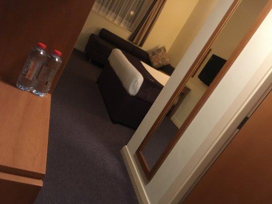 Premier Inn Abu Dhabi Capital Centre Hotel: 房間