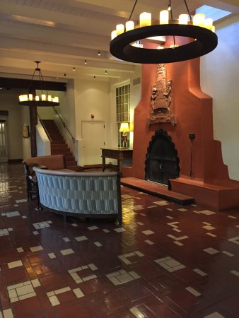 La Fonda on the Plaza: Fireplace