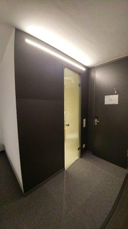 Ostfildern, Deutschland: Newly refurbished room